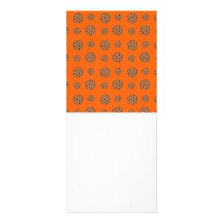 Teste padrão alaranjado dos biscoitos dos pedaços  10.16 x 22.86cm panfleto