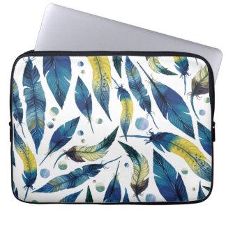 Teste padrão azul das penas de pássaro da aguarela capas para notebook