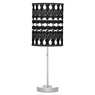 Teste padrão bonito branco preto dos animais abajur de mesa