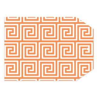 Teste padrão chave grego branco alaranjado da convite 12.7 x 17.78cm