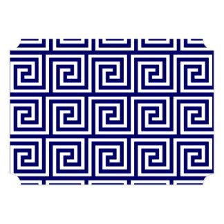 Teste padrão chave grego branco dos azuis marinhos convite 12.7 x 17.78cm