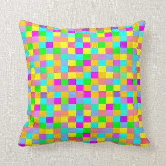 Teste padrão checkered colorido almofada