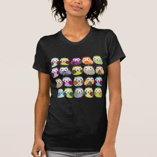 Teste padrão colorido da coruja t-shirts