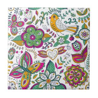 Teste padrão colorido dos pássaros e de borboletas azulejo quadrado pequeno