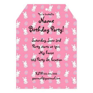 Teste padrão cor-de-rosa bonito da páscoa do convite