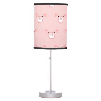Teste padrão cor-de-rosa da cara do porco abajur de mesa