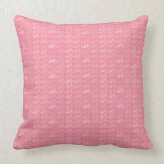 teste padrão cor-de-rosa das bicicletas travesseiro de decoração