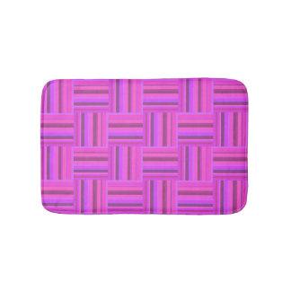 Teste padrão cor-de-rosa do weave das listras tapete de banheiro