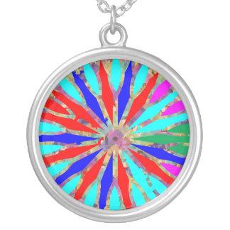 Teste padrão da energia do arco-íris colar com pendente redondo