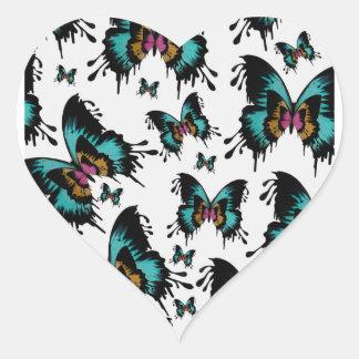 Teste padrão de borboleta de derretimento adesivo em forma de coração