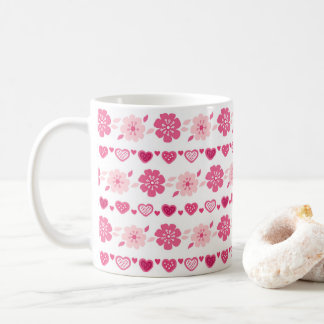 Teste padrão de flores dos corações dos doces do caneca de café
