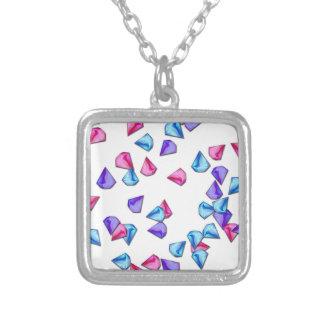 Teste padrão dos diamantes colar banhado a prata