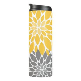 Teste padrão floral dos crisântemos amarelos e