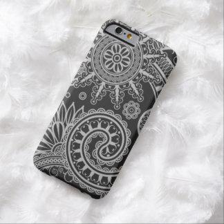 Teste padrão floral preto e cinzento abstrato capa barely there para iPhone 6