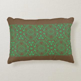 teste padrão marrom do travesseiro com verde almofada decorativa