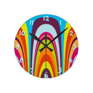 Teste padrão retro colorido Funky da arte da onda Relógio Redondo