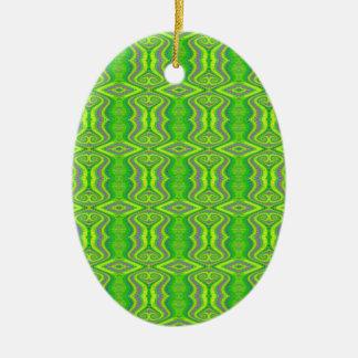 Teste padrão retro do Fractal dos anos 60 do verde Ornamento De Cerâmica Oval