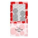 Teste padrão romântico da rosa vermelha. No rosa Cartão Com Foto Personalizado