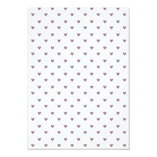 Teste padrão roxo dos corações do brilho da ameixa convites personalizados
