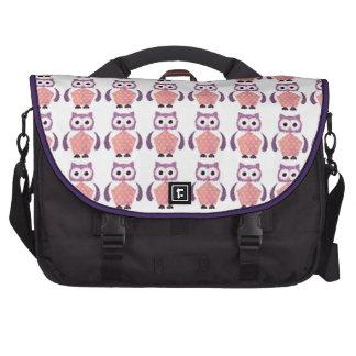 Teste padrão violeta cor-de-rosa da coruja do bolsa para laptop