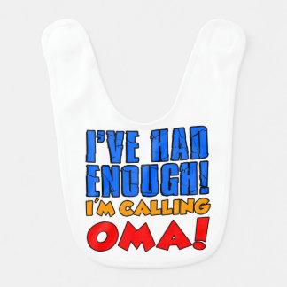 Teve bastante babador de chamada do bebê de Oma