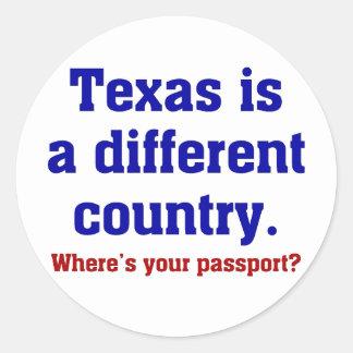 Texas é um país diferente adesivo em formato redondo