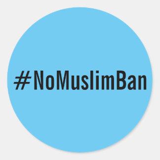 texto #NoMuslimBan, preto em etiquetas azuis