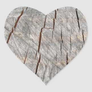 Textura de madeira do tronco de pinheiro cortado adesivo coração