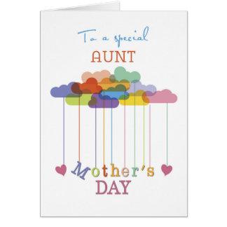 Tia, nuvens bonitos do arco-íris do dia das mães e cartão comemorativo