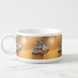 Tigela De Sopa Navio mercante velho - 3D rendem