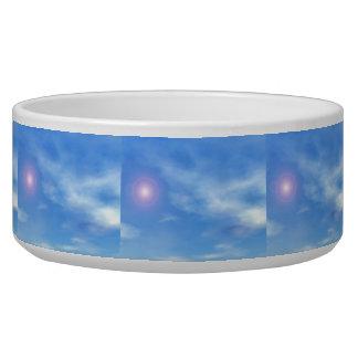 Tigela Sun no fundo do céu - 3D rendem
