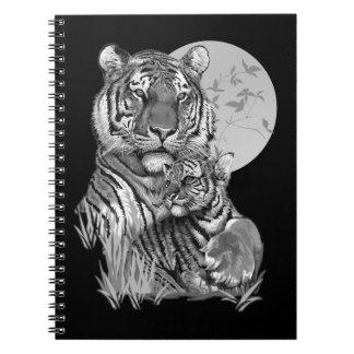 Tigre com Cub (B/W) caderno