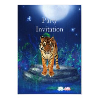Tigre do convite na lagoa