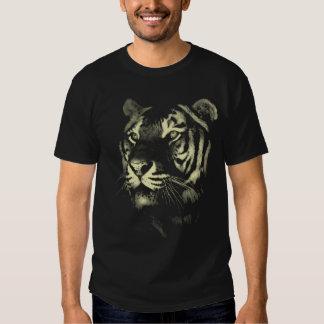 Tigre majestoso (bege) camisetas