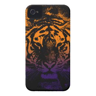 Tigre selvagem na obscuridade capa para iPhone 4 Case-Mate