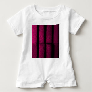 Tijolos roxos macacão para bebê