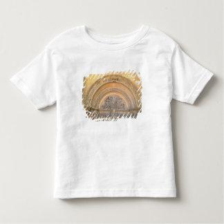 Tímpano do patamar que descreve o cristo na camiseta infantil