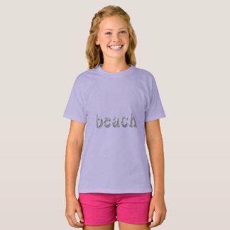 Tipografia de prata roxa do texto de Lila da Camiseta