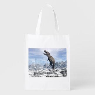 Tiranossauro na neve - 3D rendem Sacolas Ecológicas