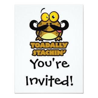 toadally sapo engraçado do stachin com um bigode convites
