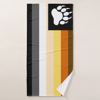 Toalha De Banho O gay carrega a bandeira do orgulho e a pata de