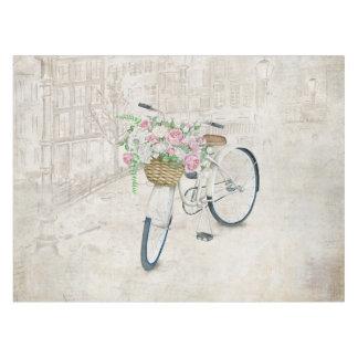 Toalha De Mesa Bicicletas do vintage com cesta dos rosas