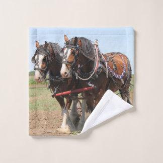 Toalha De Rosto Ploughing bonito dos cavalos do clydesdale