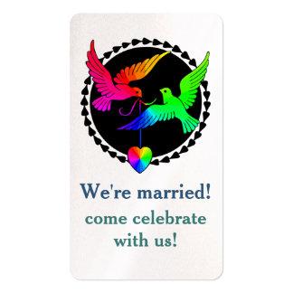 Todo do anúncio do casamento da pomba do arco-íris cartão de visita