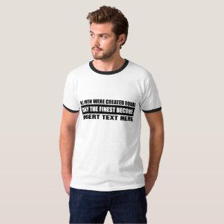Todos os homens criaram o igual camiseta