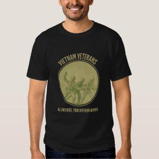 Todos os irmãos, das mães diferentes - veteranos camiseta