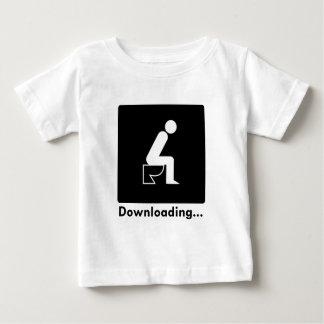 Tombadilho da transferência camiseta para bebê