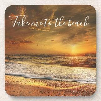 Tome-me à porta copos da foto da praia