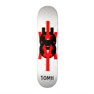 TOMH SKATEBOARD