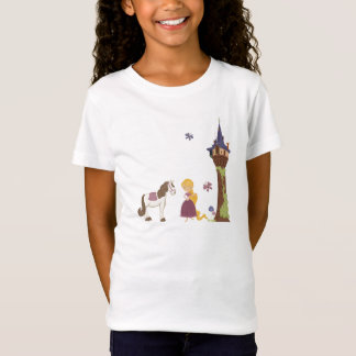 Torre bonito do rapunzel e t-shirt da menina do camiseta